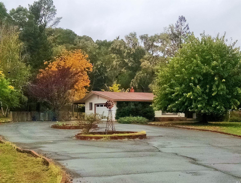 8100 Uva Drive, Redwood Valley, CA 95470