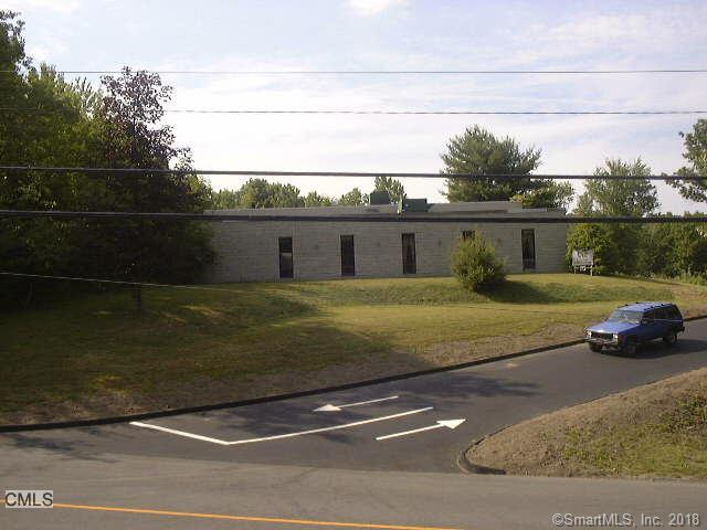 15 Commerce Road, Newtown, CT 06470