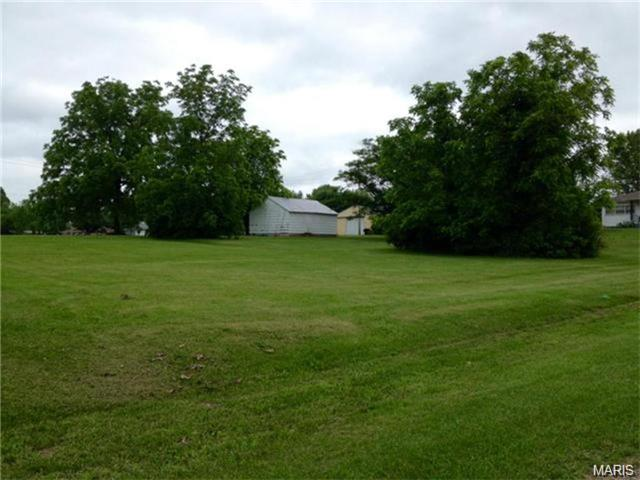200 South Victor, Bland, MO 65104