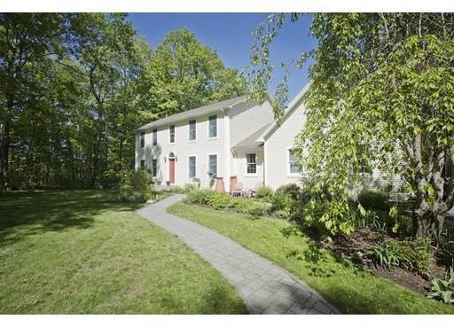 667 West Cherry Street, Holyoke, MA 01040