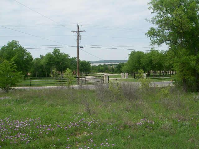 16 East Bay Drive, Bridgeport, Texas 76426