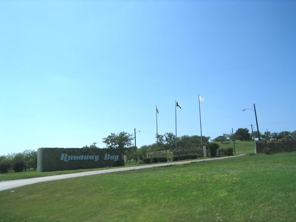 69 Runaway Bay Drive, Runaway Bay, Texas 76426
