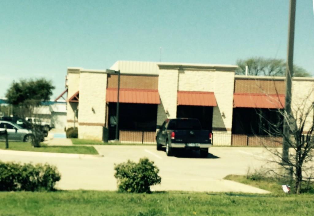 1171 South West Green Oaks Boulevard, Arlington, Texas 76017