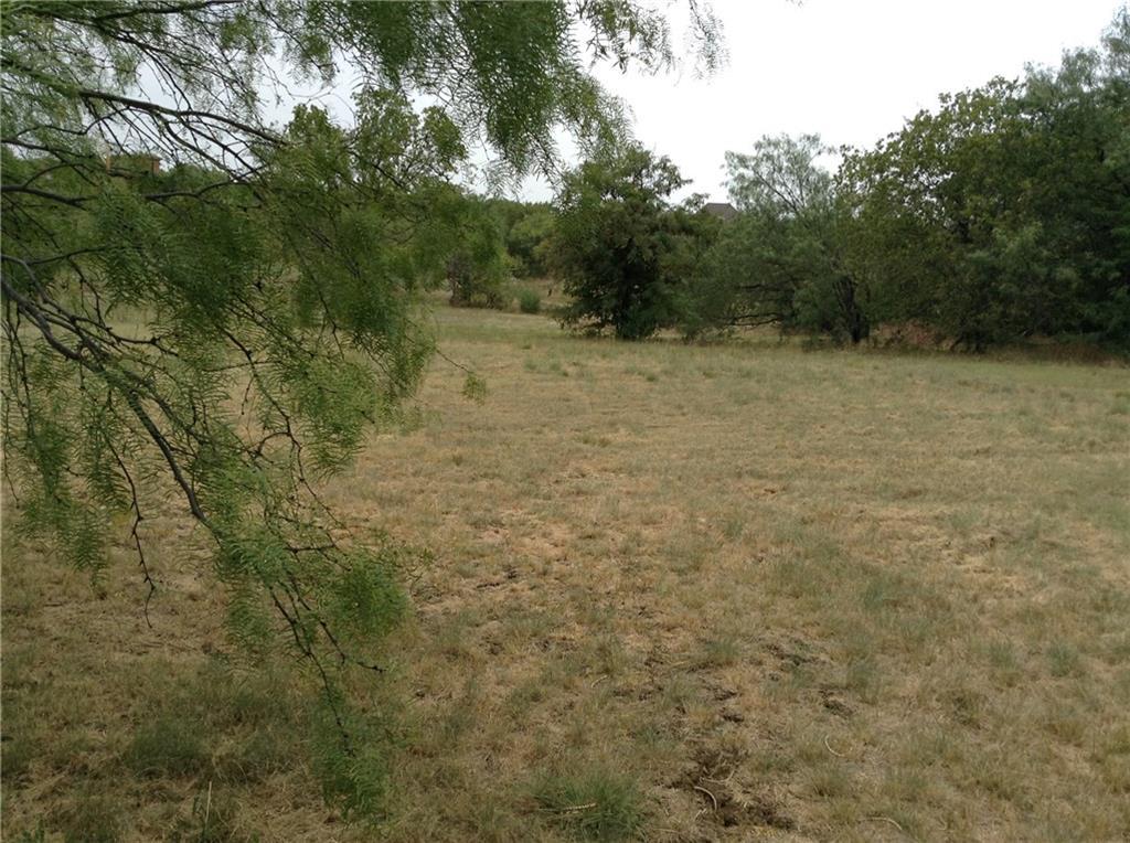 1020 Mallard Pointe Drive, Grand Prairie, Texas 75104