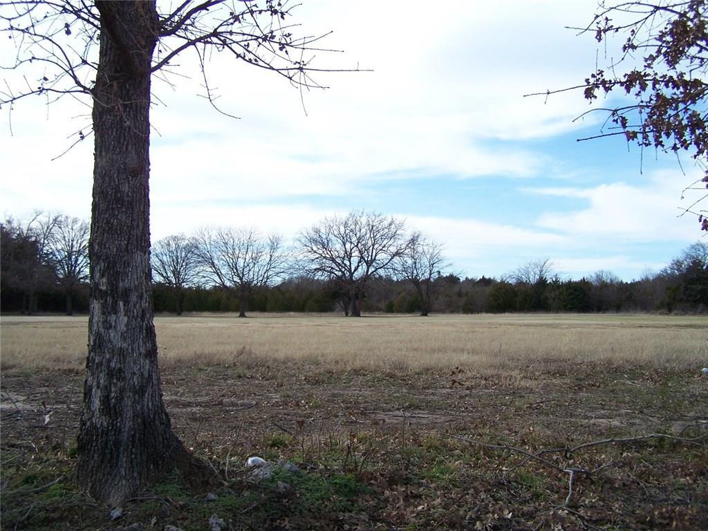 135 Bent Oak Drive, Pottsboro, Texas 75076