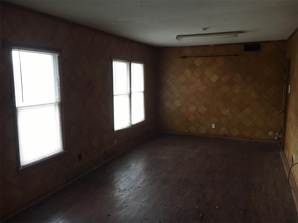 126 North Redford Lane, White Settlement, Texas 76108