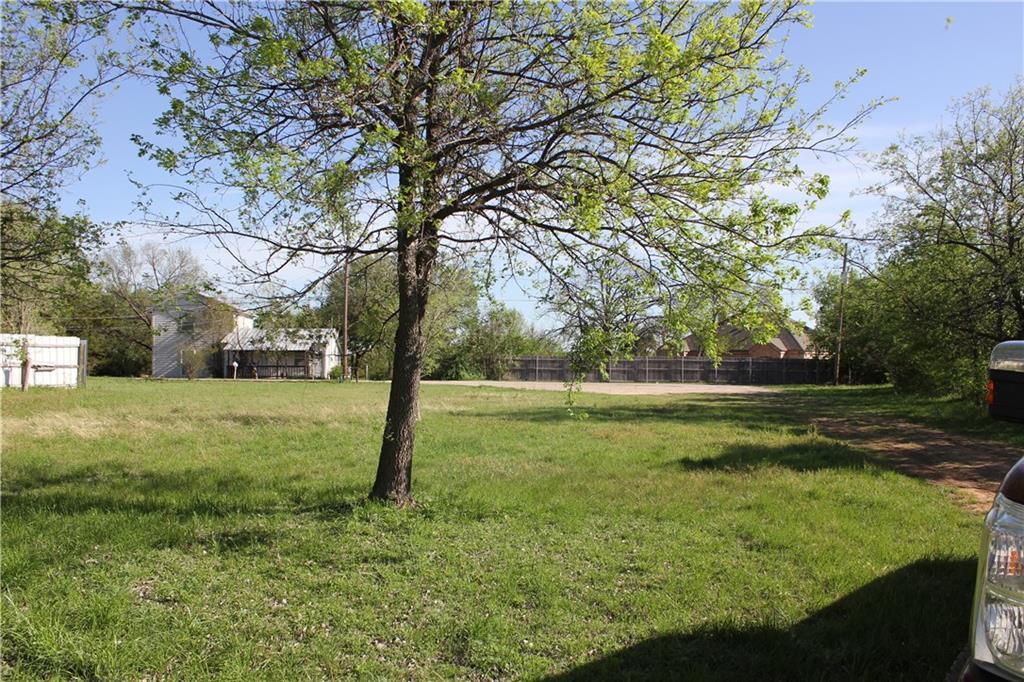 724 Wright Court, Granbury, Texas 76048