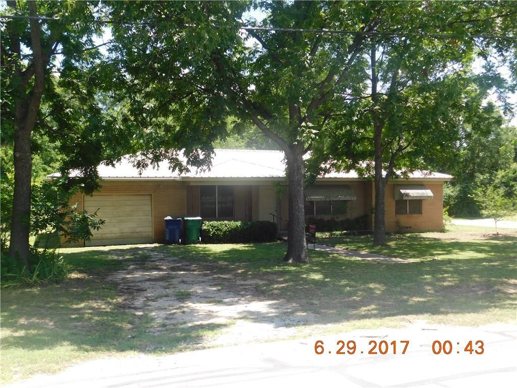 403 South Weatherford Street, Chico, Texas 76431