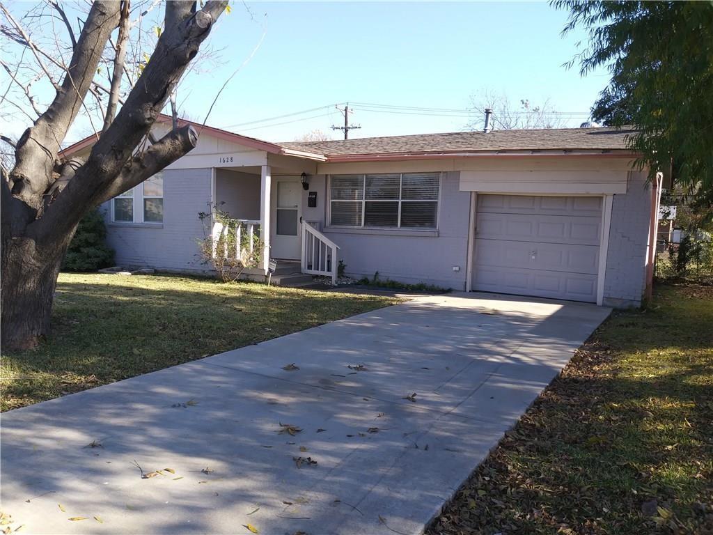 1628 Hillcrest Street, Mesquite, Texas 75149
