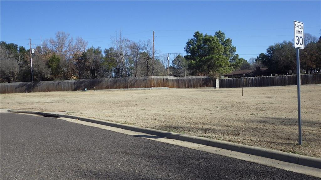 Country Club Drive, Mount Pleasant, Texas 75455