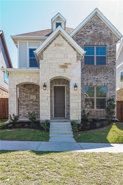 1816 Roundtree Circle, Fort Worth, Texas 76008