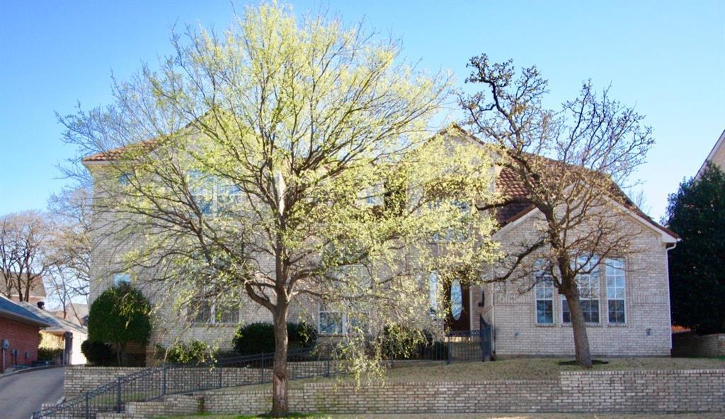 803 Bent Tree Drive, Euless, Texas 76039