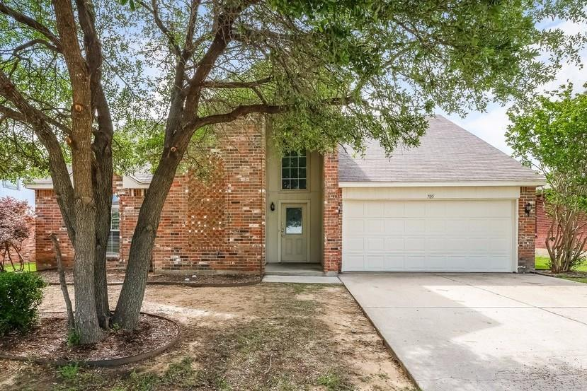 705 Crestmont Drive, Burleson, Texas 76028