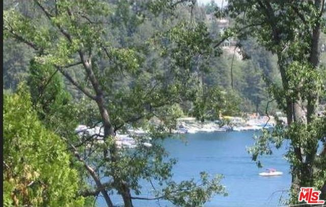 27524 West Shore Road, Lake Arrowhead, CA 92352