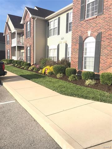 6401 Brookfield Ct Drive Unit 207, St Louis, MO 63129