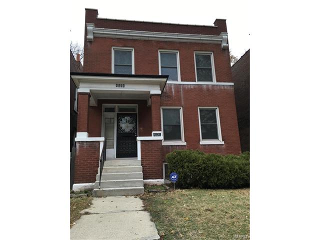 4521 Adelaide Avenue, St Louis, MO 63115