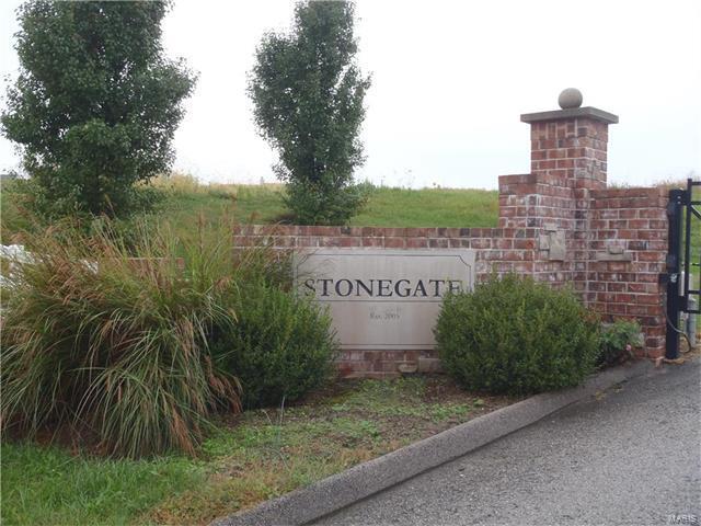 39 Stonegate Estates Drive, Hawk Point, MO 63349