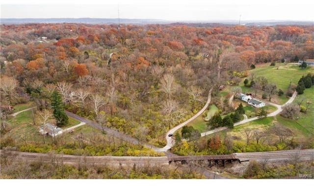 1138 Wolf Hollow Road, Imperial, MO 63052