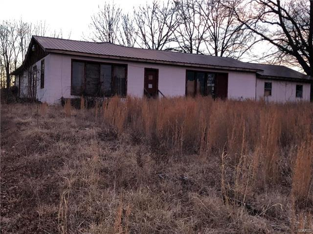 10465 Old 8 East, Mineral Point, MO 63660