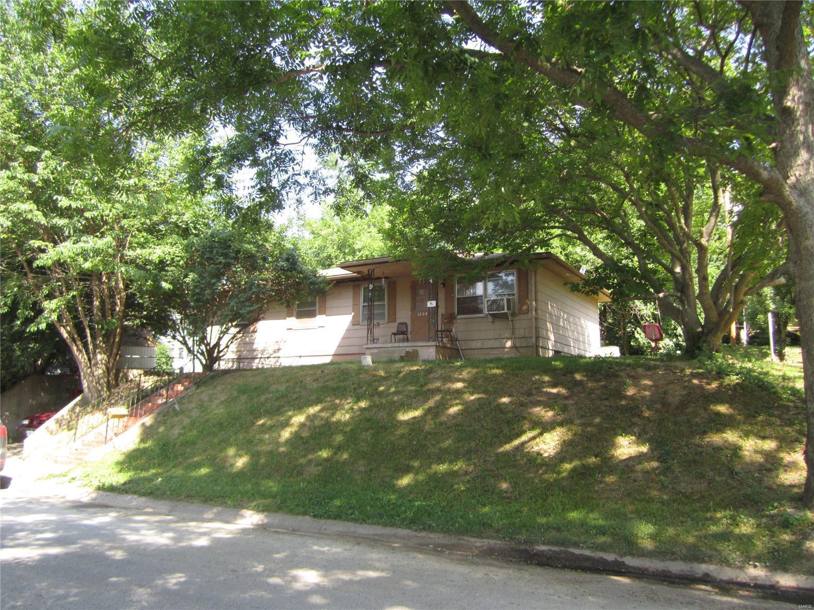 1809 Marion Drive , Louisiana, MO 63353