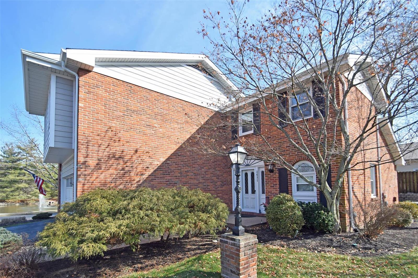 2431 Baxton Way , Chesterfield, MO 63017